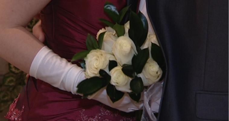 «Давай поженимся». Почему магнитогорцы стали чаще заключать брак и реже разводиться?
