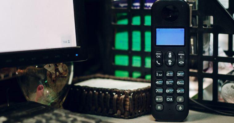 Телефон для бдительных граждан. Администрация просит сообщать обо всех посягательствах на благоустройство