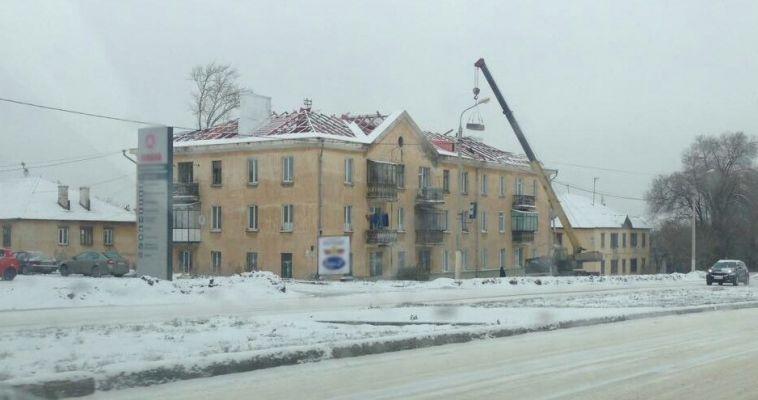 Без крыши космос ближе! Снег капремонту не помеха