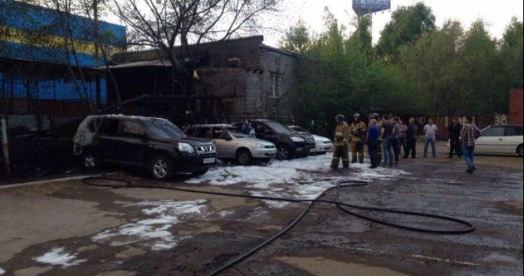 Владельцу сгоревшего автомобиля на стоянке выплатят крупную сумму