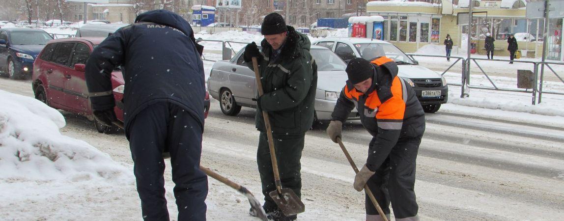 Есть снег — есть работа. Коммунальщики не могут оценить: справляются ли с поставленной задачей