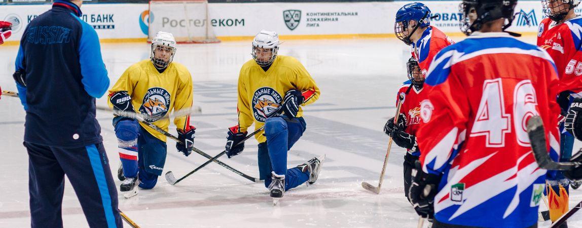 На языке хоккея. «Стальные Лисы» провели мастер-класс для команды глухих хоккеистов