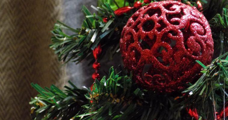 Чтобы новогоднее убранство квартиры не обернулось бедой