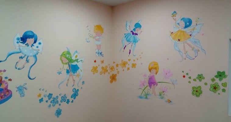 Пусть детишек охраняют ангелы. Добровольцы расписали стены роддома