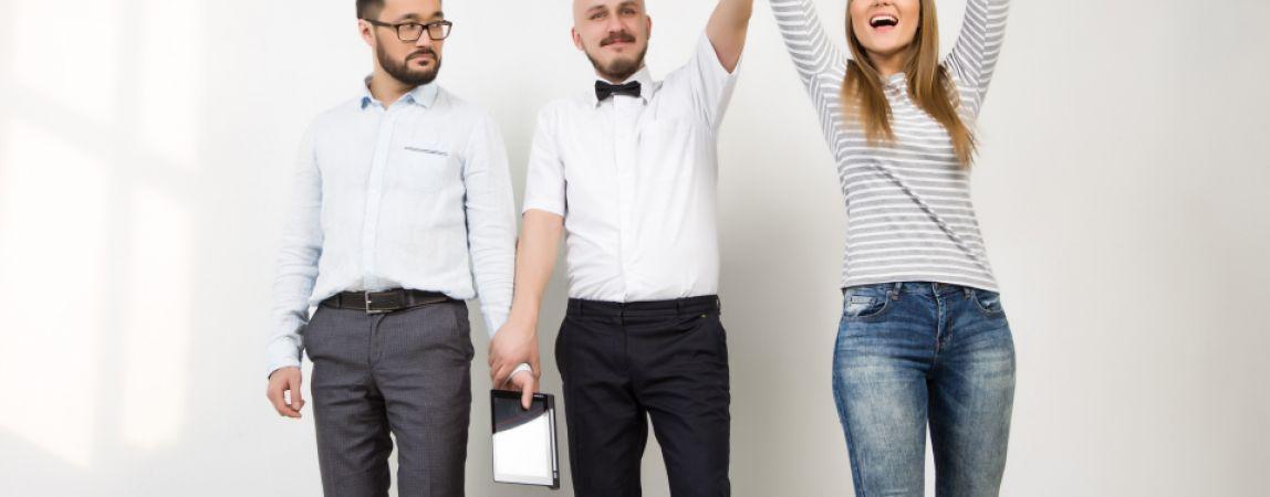 Экономить в праздники легче с мобильными помощниками
