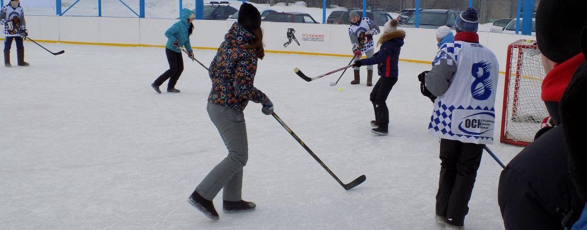 В Магнитогорске прошёл турнир по хоккею на валенках
