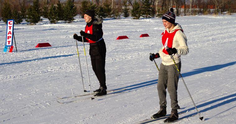 Школьники сдали норматив ГТО по бегу на лыжах