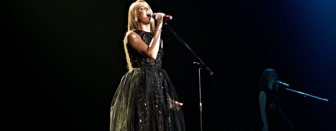 Это она поёт гимн на матчах «Металлурга». Девушка из Магнитогорска покорила Москву