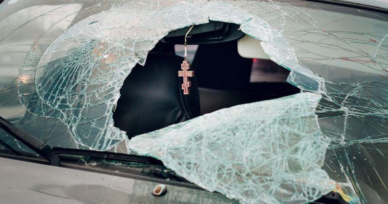 Иномарка влетела в КамАЗ. На трассе погибло четыре человека