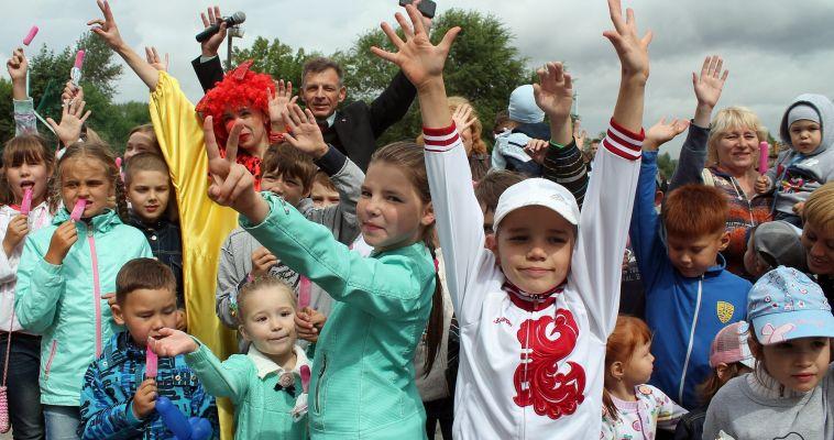 Абсолютно бесплатно! Детей научат играть в настольный теннис