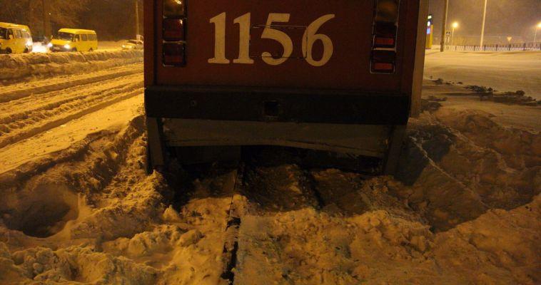 На Вокзальной трамвай сошел с рельсов