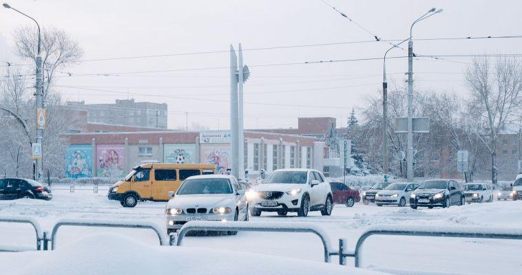 Для автомобилистов города утро выдалось непростым