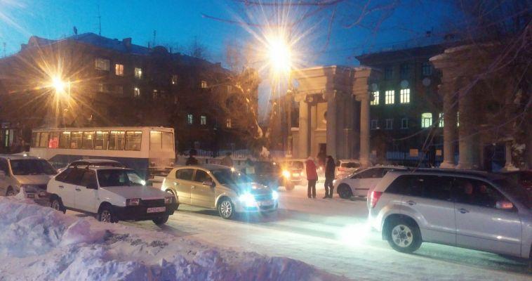 Вниманию автолюбителей и пассажиров. Ленинградская «встала»