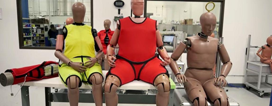 В США пришлось придумать толстых манекенов для краш-тестов