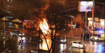 В результате ДТП загорелся автомобиль