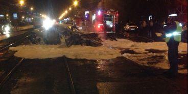 Появилось видео сгоревшего автомобиля на Б. Ручьева