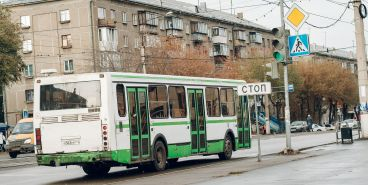 По просьбе садоводов на маршрут вышел более вместительный автобус
