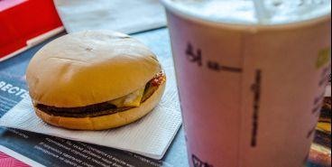 Питание вне дома по-прежнему популярно у южноуральцев