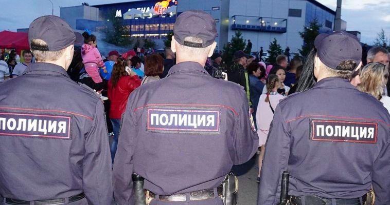 Полицейские обеспечили охрану общественного порядка в период празднования Дня города и Дня металлурга
