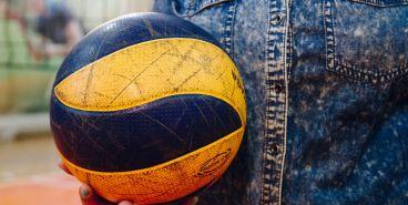 Провести время с пользой. Горожан приглашают принять участие в волейбольном матче