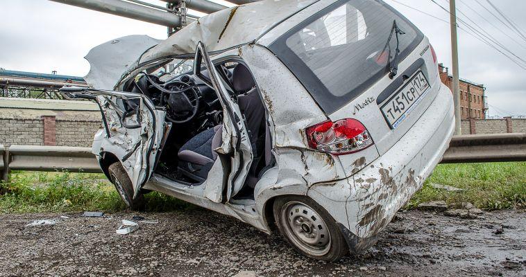 ФОТО: Разбила две машины и травмировалась сама. Подробности ДТП с «Дэу Матиз»