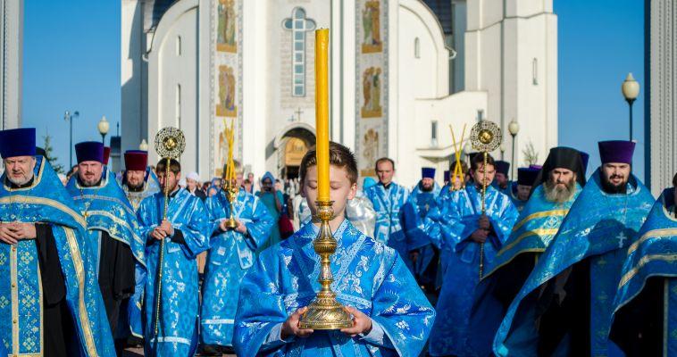 Фотоотчёт. В Магнитогорск доставили Феодоровскую икону Божией Матери