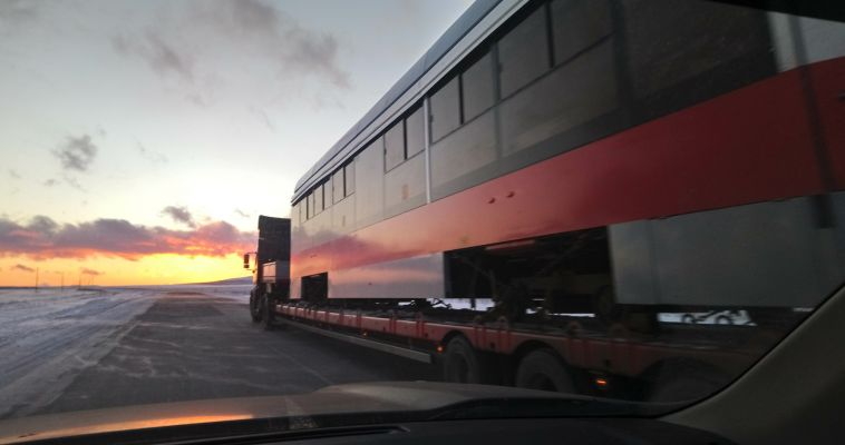«Скорый поезд набирает ход…»