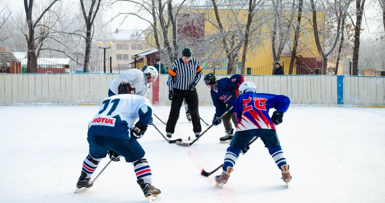 Любовь к хоккею оказалась сильнее мороза