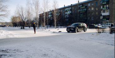 Пешеходная зона превратилась в проезжую часть. В Магнитогорске сквер стал местом ДТП