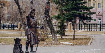 Памятник металлургу уже есть, на очереди — милиционер и доктор