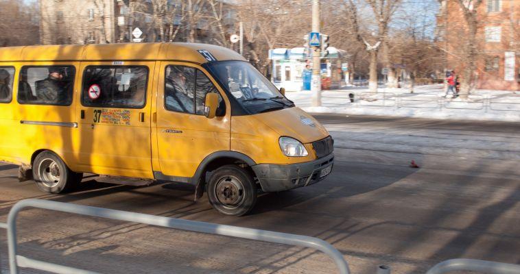 Снова по 20 рублей. «Маршрутчиков» заставят снизить стоимость проезда