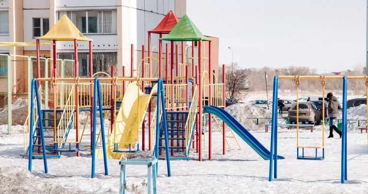 Выпив для храбрости, жительница Магнитогорска залезла в детский садик и там «поиграла»
