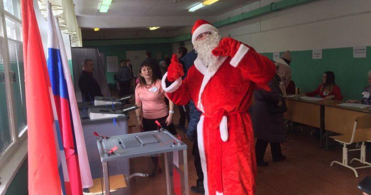#ВЫБОРЫ На избирательных участках - Древарх и Дед Мороз