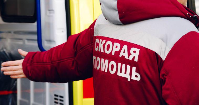Неизвестные обстреляли машину скорой помощи