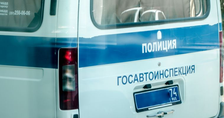 Пьяный мужчина на мопеде устроил сумятицу на дороге