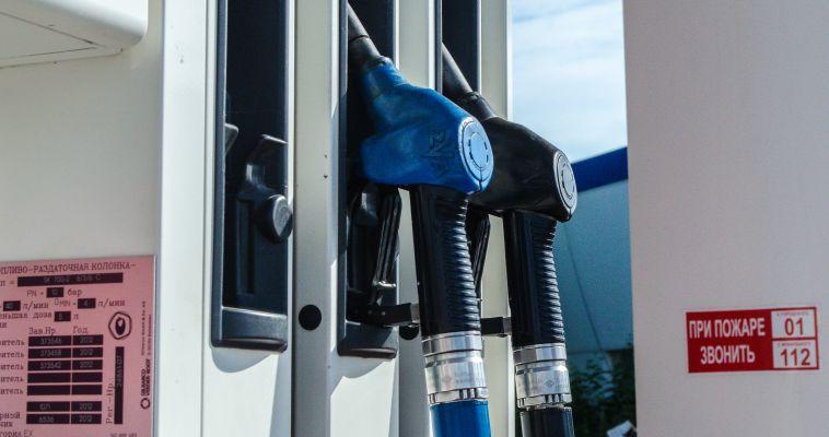 Самый популярный бензин подорожал на 60 копеек за неделю
