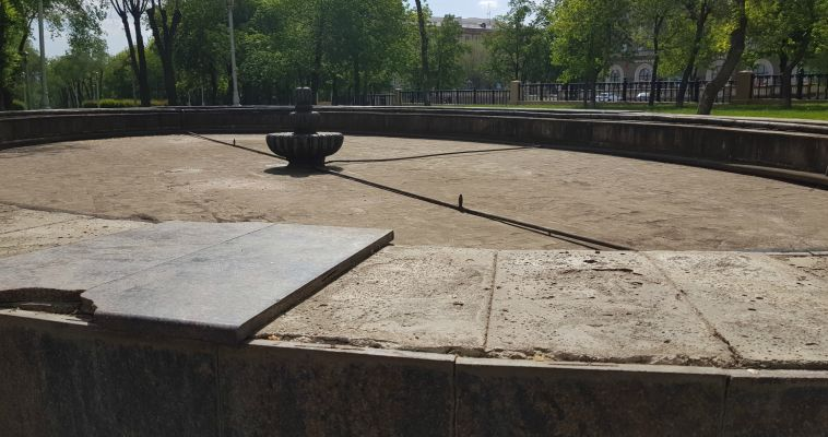 Ремонт фонтанов продолжается