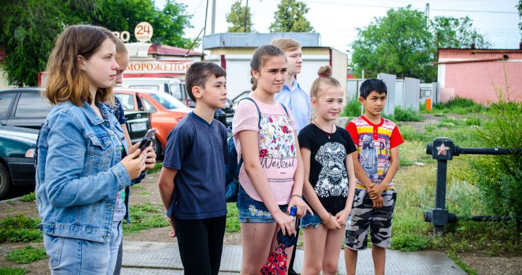 """Школьники вновь встретились в """"Библиотеке под открытым небом"""""""