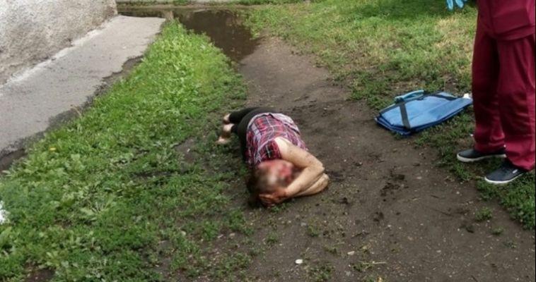 В Магнитогорске женщина выпала из окна
