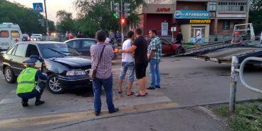В ДТП на Бориса Ручьева пострадала девушка