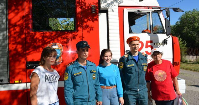 Юные магнитогорцы примерили на себя роль пожарных
