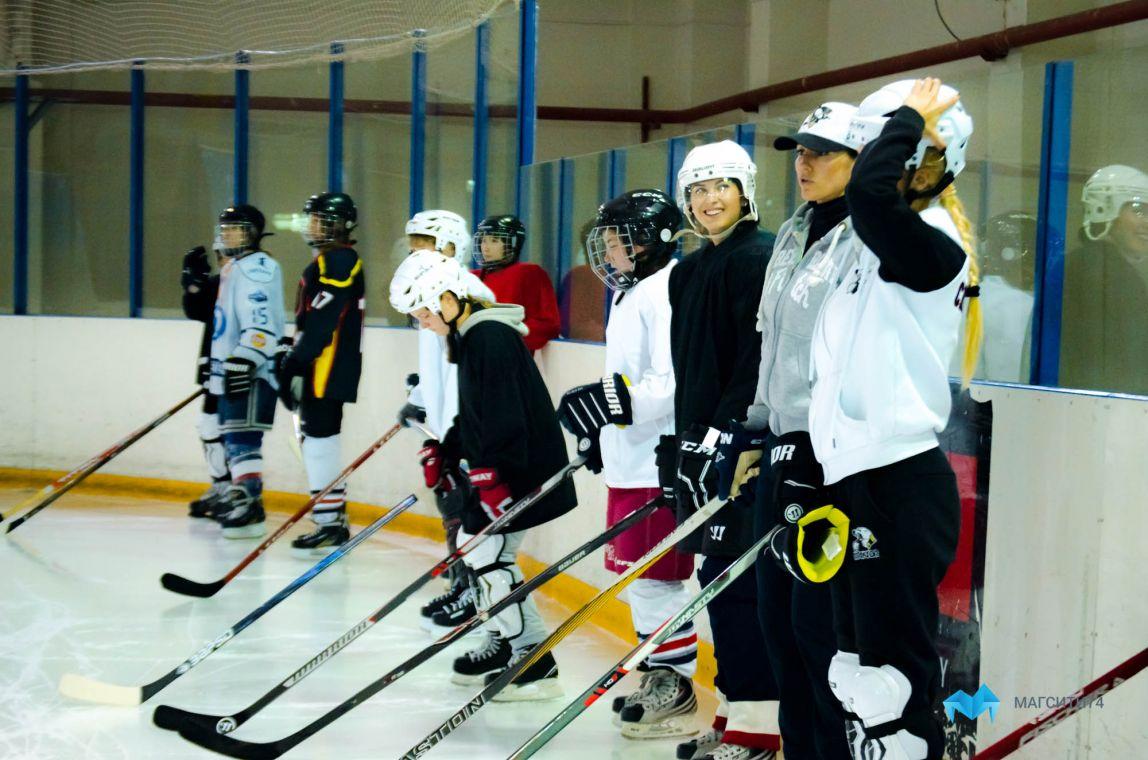 В Магнитогорске возрождают женский хоккей