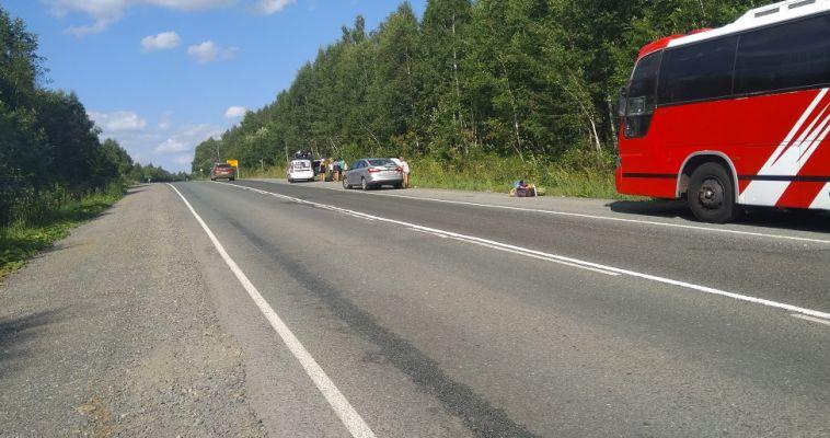 На трассе загорелся автобус с магнитогорскими туристами