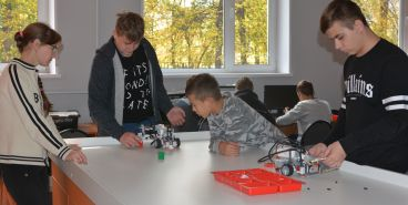 Школьники побывали на сборах по робототехнике