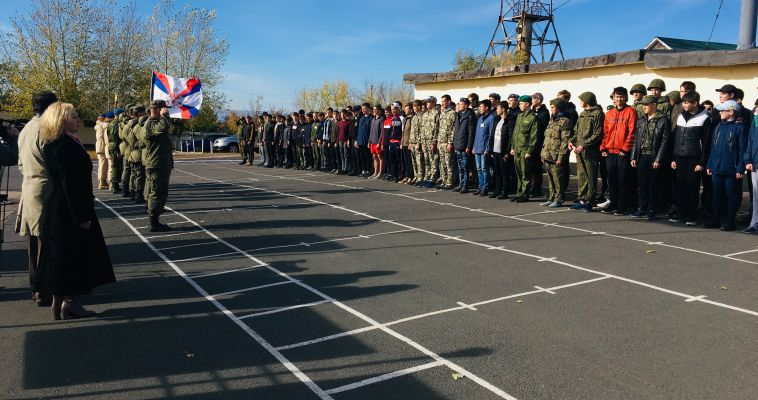 Школьников на один день отправили в армию