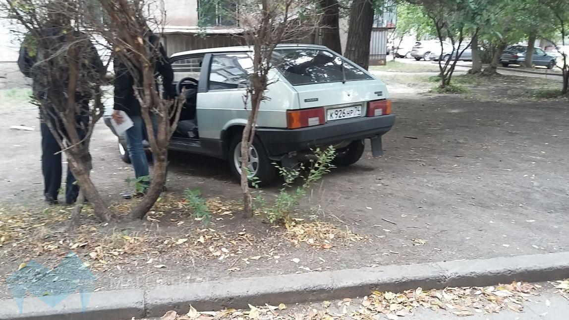 Автомобилисты заплатят за парковку на газоне