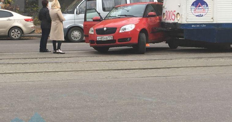 Автоледи пострадала в ДТП с трамваем
