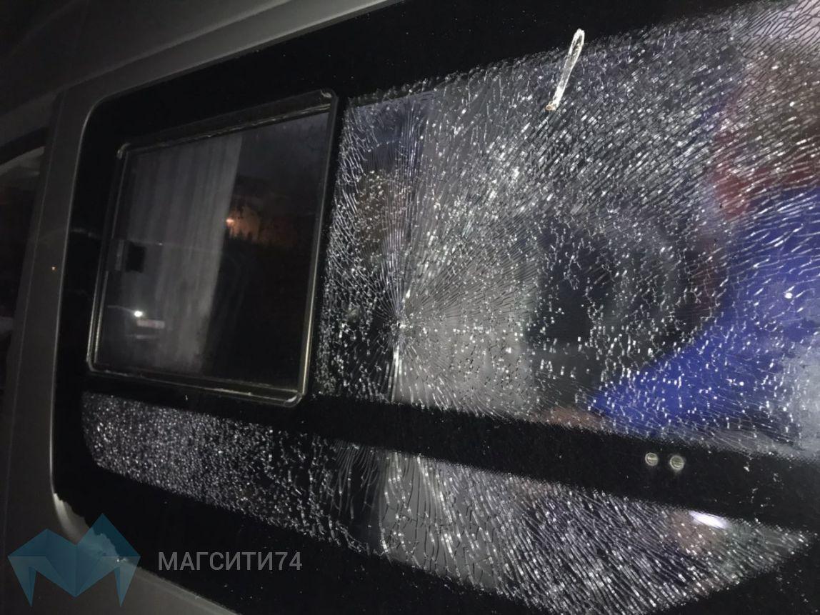 В Сибае обстреляли автобус с магнитогорскими хоккеистами