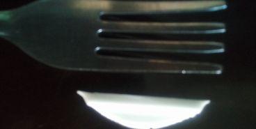 Магнитогорец во время обеда чуть не подавился пластмассой