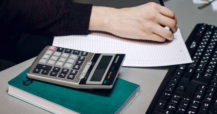 Выбивать долги за ЖКУ скоро будут коллекторы
